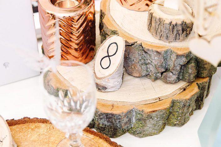 TischnummernAusHolz-HochzeitsdekorationFuerDieHochzeit-Holzmitliebe